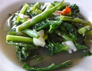 Chicken stock with power greens